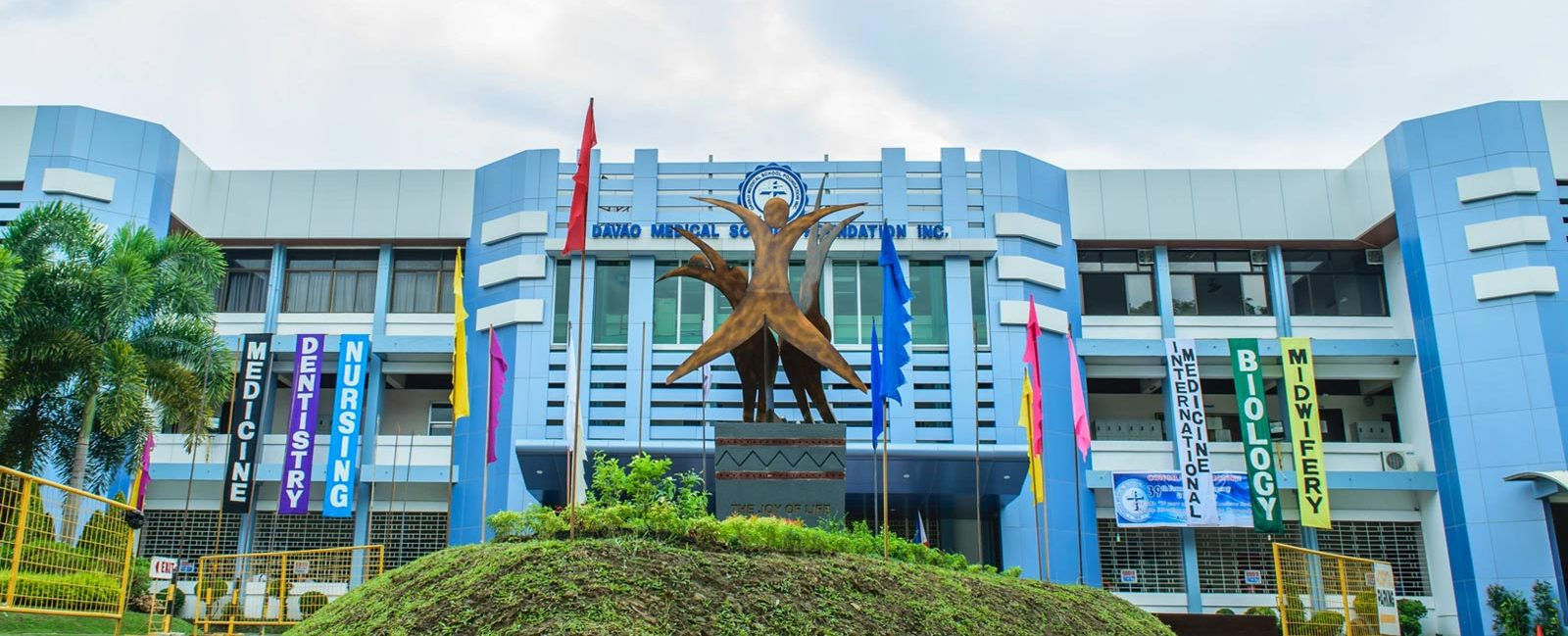 Study MBBS in Philippines from Davao Medical School foundation most trusted medical college by International Students